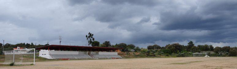 Campo de Jogos Luís Pernica